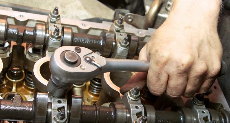 Petrol Sel Hybrid Car Mechanic